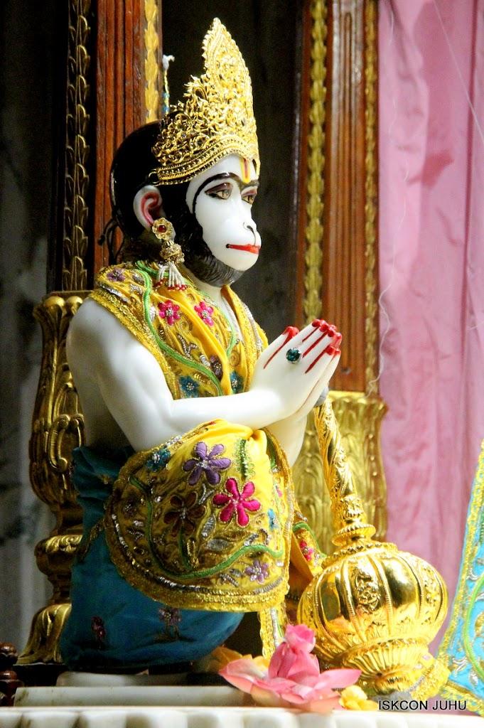 ISKCON Juhu Mangal Deity Darshan on 27 April 2016 (1)