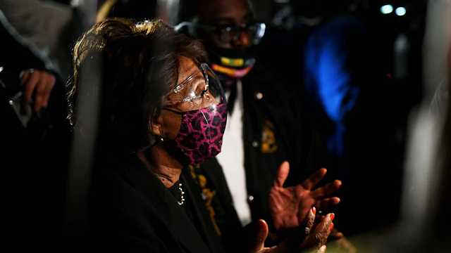 GOP Lawmaker To Introduce Resolution To Expel Maxine Waters For 'Incitement Of Violence'