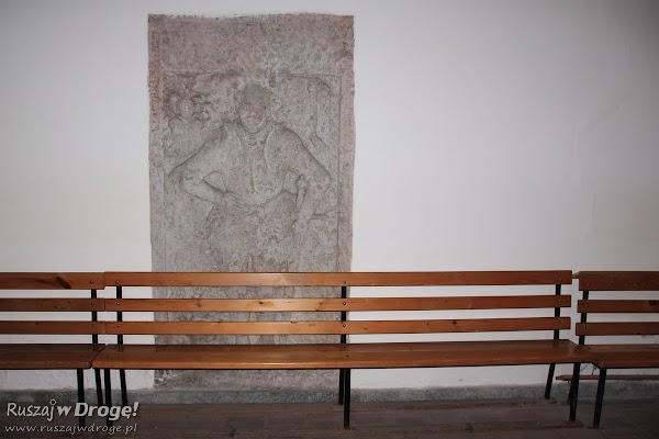 Płyta nagrobna: Kościół pw. św. Maksymiliana Kolbe w Nowem