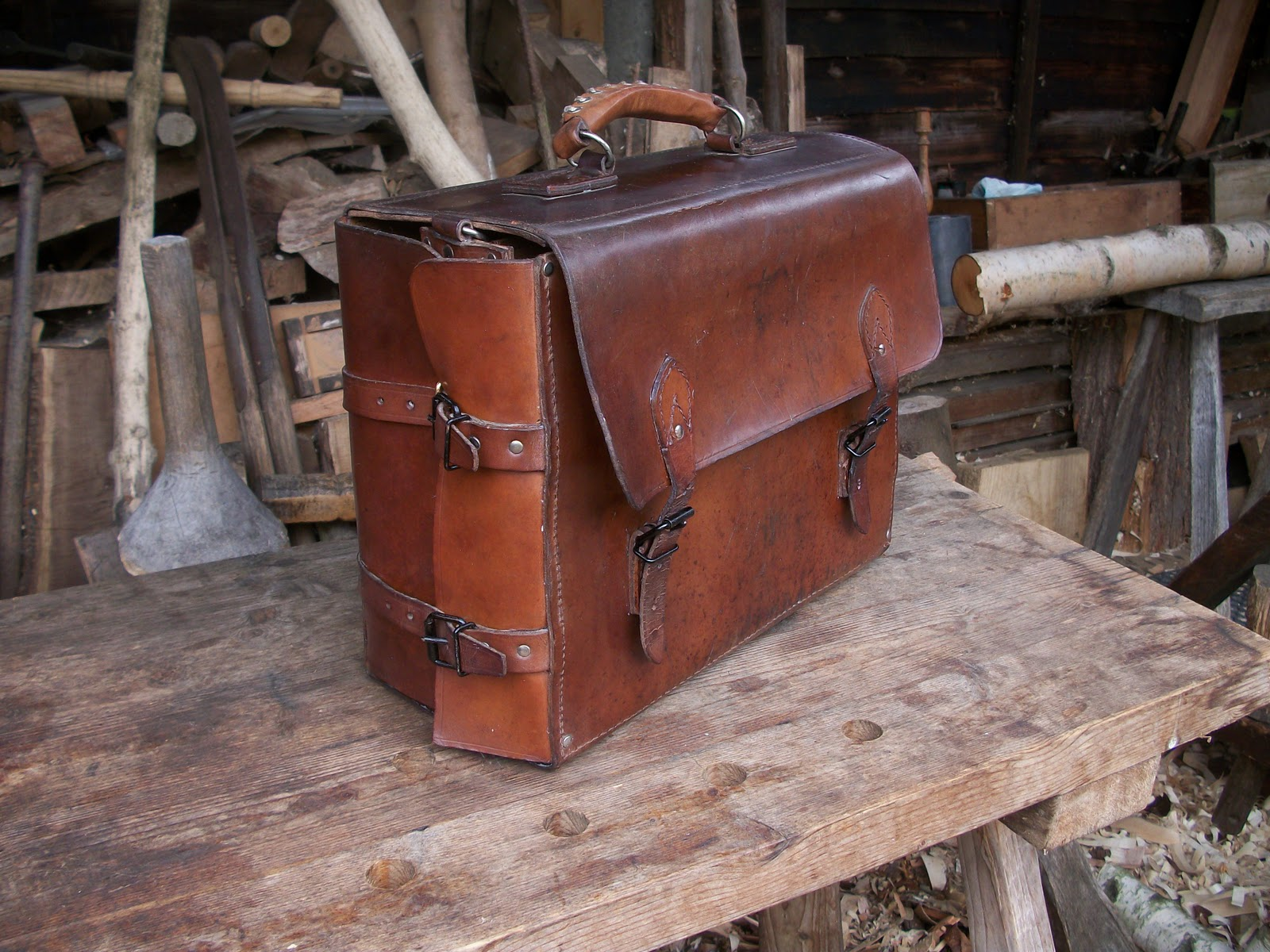 A Bodger's Blog: Leather Tool Bag