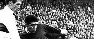 31 mai 1994: assassinat de Salah Djebaïli, footballeur, brillant scientifique et écologiste