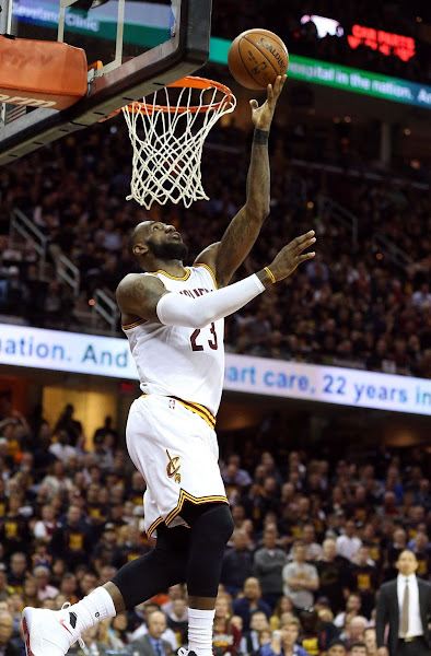 LeBron Cavaliers Come Short Late in Heartbreaking Game 3 Loss