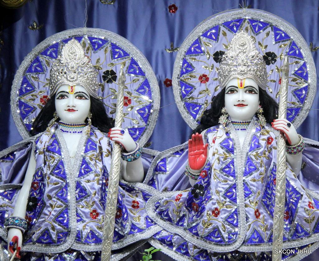 ISKCON Juhu Mangal Deity Darshan on 29th Sep 2016 (9)