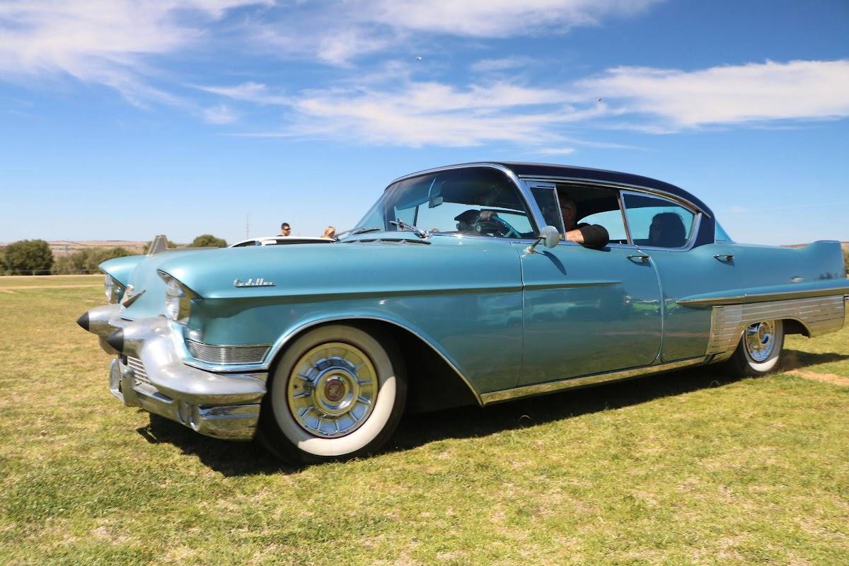 Cadillac (06).jpg