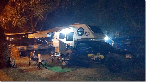 acampamento-a-noite
