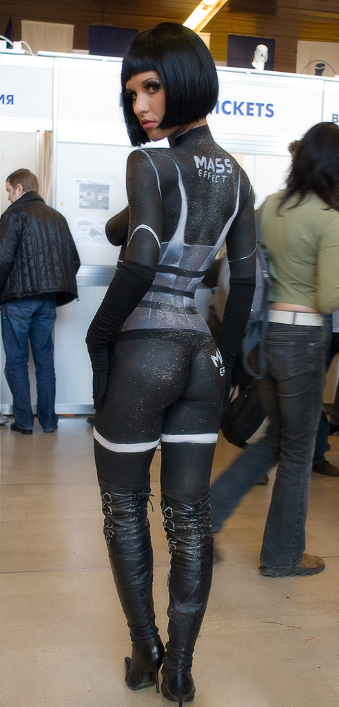 (NSFW) Butts Effect: A Collection of The Finest Posteriors - Page 4 NAKED-WOMAN-MASS-EFFECT-COSTUME
