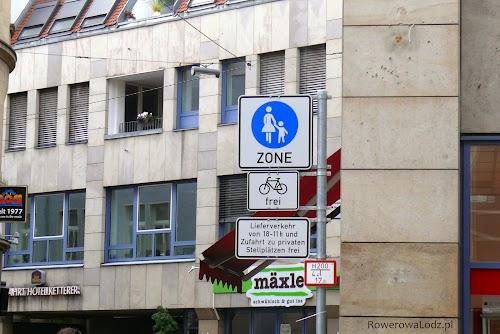 Strefy wyłącznie dla pieszych są powszechne w ścisłym centrum Stuttgartu. Nie mogą do nich wjeżdżać żadne pojazdy. Jedynym wyjątkiem są rowery.