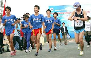 da-nang-beach-hotel-international-marathon-2013