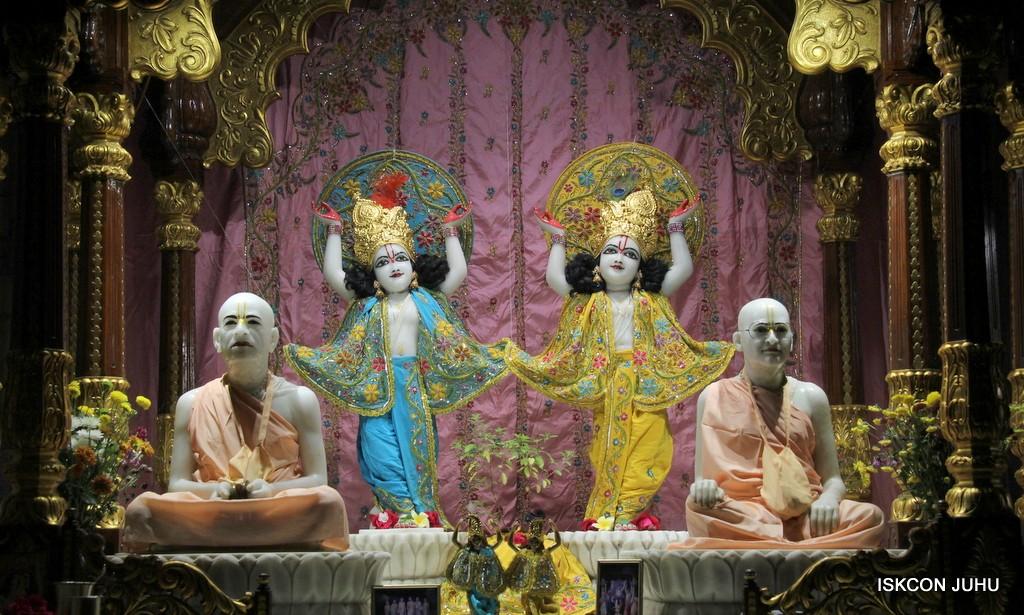 ISKCON Juhu Mangla Deity Darshan 22  Nov 2016 (45)