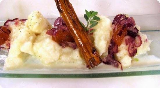 Gnocchetti bianchi alla crema di parmigiano e rosmarino e chutney alle cipolle