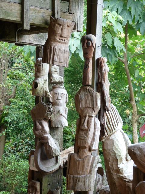Environs de Xizhi. Au milieu de nulle part rencontre avec des sculpteurs.