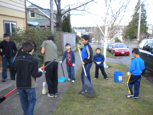 Sunday School - Clean Up Day! - Clean%2BUp%2BDay%2B--%2BDec.%2B19%252C%2B2010%2B005.jpg