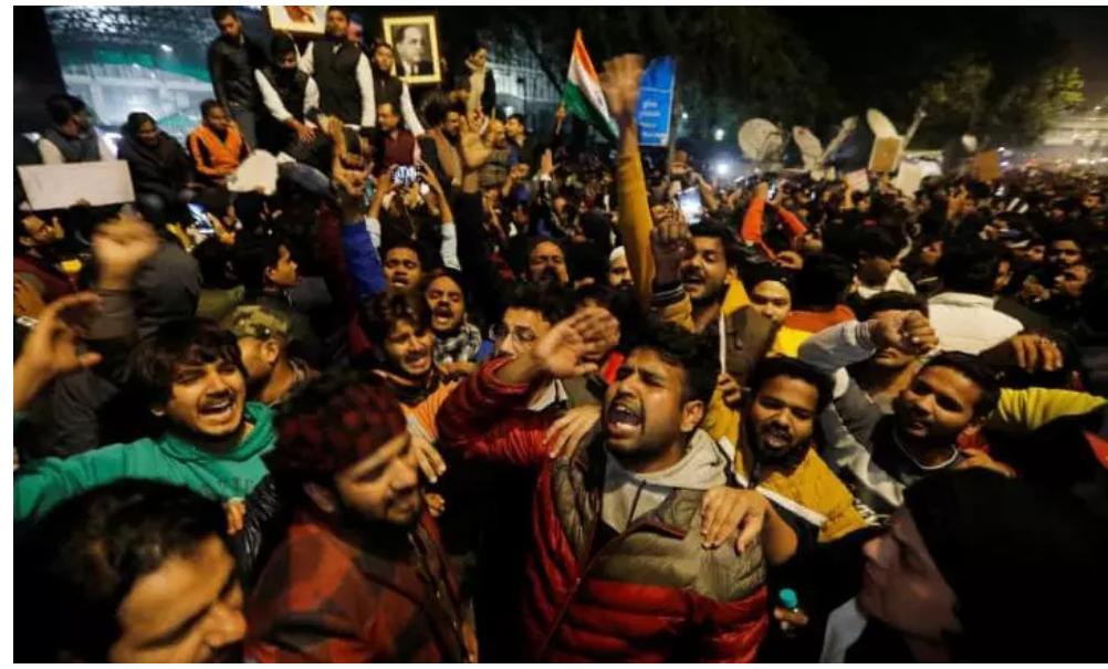 RUU Dinilai Diskriminatif Kepada Muslim, Pelajar dan Mahasiswa India Bentrok Dengan Polisi