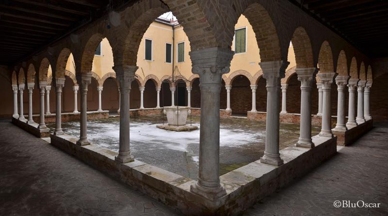 Chiostro Chiesa S Francesco della Vigna N9 18 01 2017