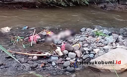 Mayat Bayi di Sungai Cimuncang Kebonpedes Sukabumi / Foto : Dian Syahputra Pasi (16/1/2019)