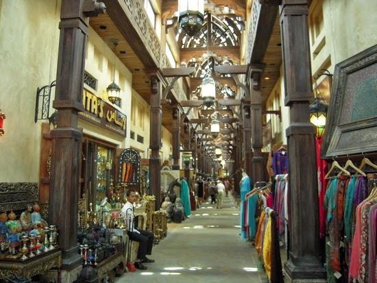 Рынок Мадинат Джумейра, Дубай, ОАЭ, купить тур в ОАЭ, шопинг тур в ОАЭ