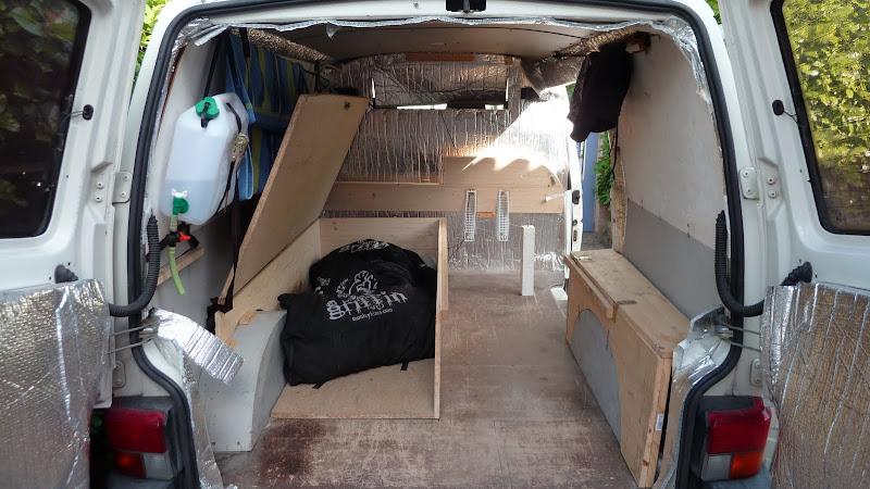 fourgon amenage kitesurf. Black Bedroom Furniture Sets. Home Design Ideas