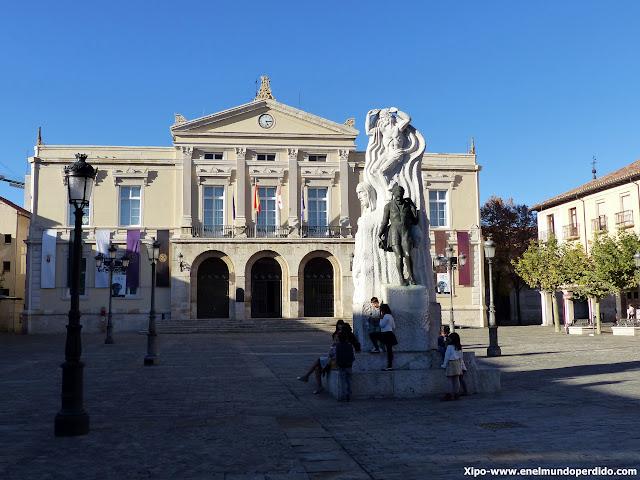 plaza-mayor-ayuntamiento-palencia.JPG