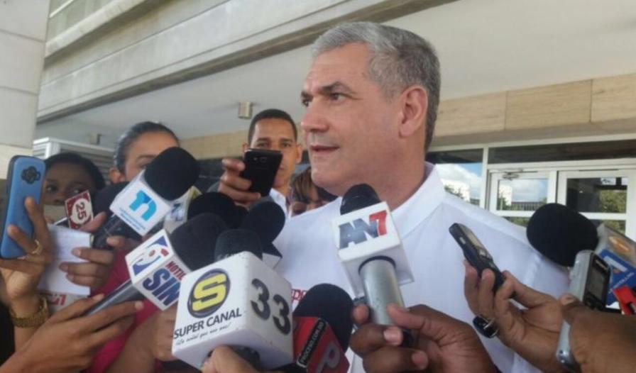 Gonzalo Castillo dice MOPC reparará puente La Cana en carretera Imbert-Luperón.