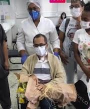 Com alta hospitalar, padre Valdes celebra grande vitória contra a Covid-19