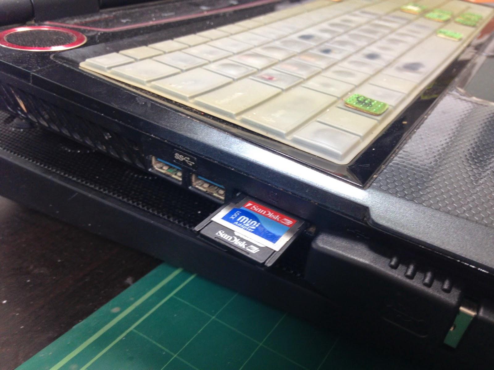 노트북에 내장된 sd-card 리더기