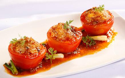 Cà chua dồn thịt chay