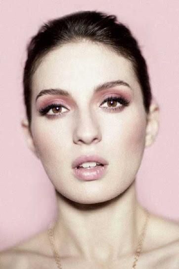 María Valverde, guapa