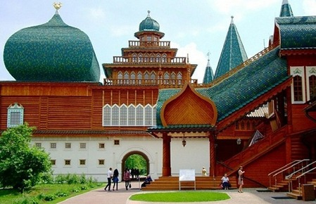 wooden-palace-in-Kolomna-Russia-2