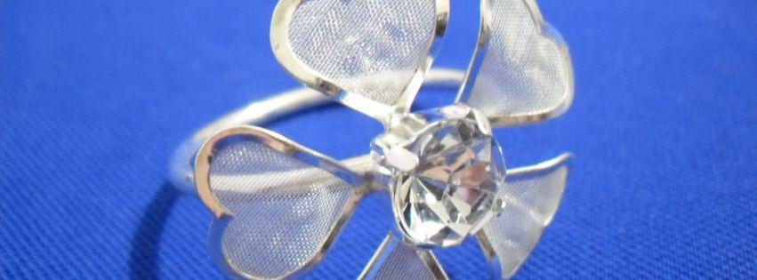 Çiçekli taşlı bayan yüzüğü kapak fotoğrafları