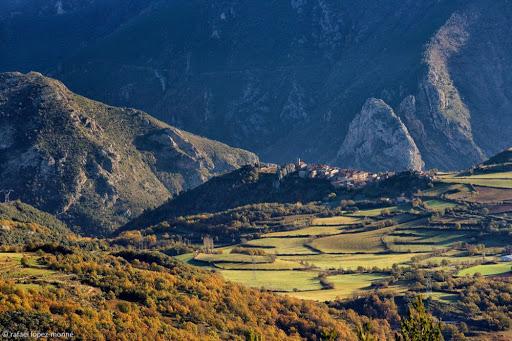 Peramea i el pla de Corts des de la serra de Peracalç. Baix Pallars, Pallars Sobirà, Lleida