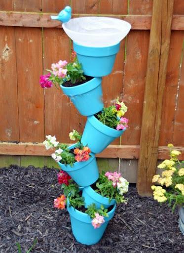 Decoração com vasos de flor