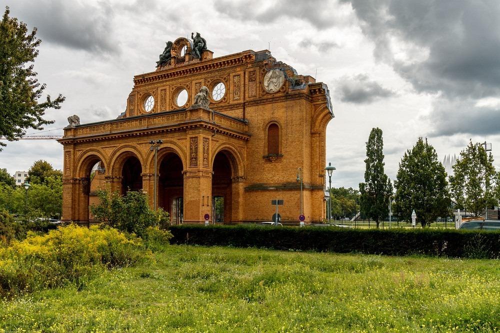 anhalter-bahnhof-4