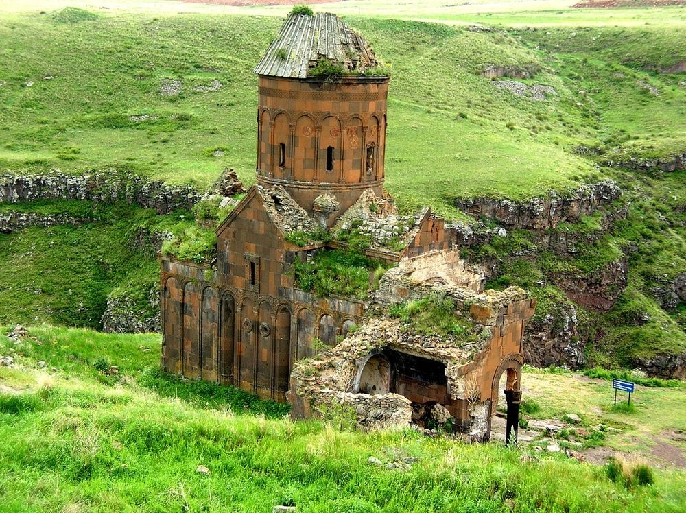ani-ruined-churches-2