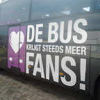 De Bus krijt steeds meer FANS! logo op de Mercedes Tourismo van South West Tours bus 53