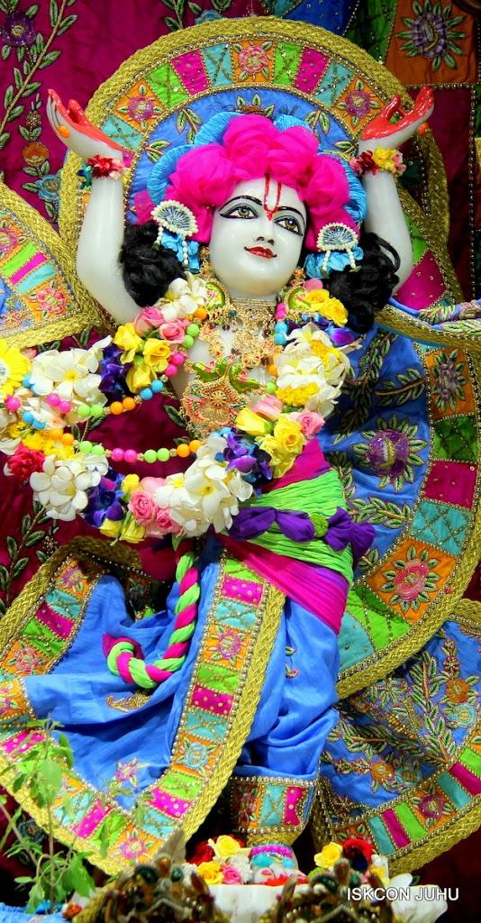 ISKCON Juhu Sringar Deity Darshan on 29th April 2016 (49)