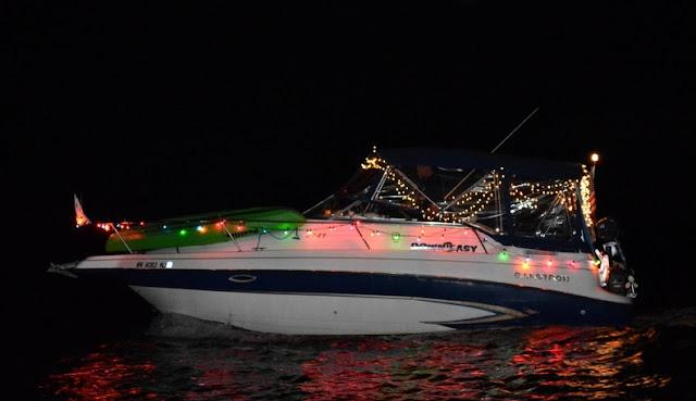 2016 Christmas Boat Parade - 2016%2BChristmas%2BBoat%2BParade%2B12.JPG