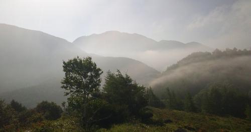 八子ヶ峰中峰からの眺め