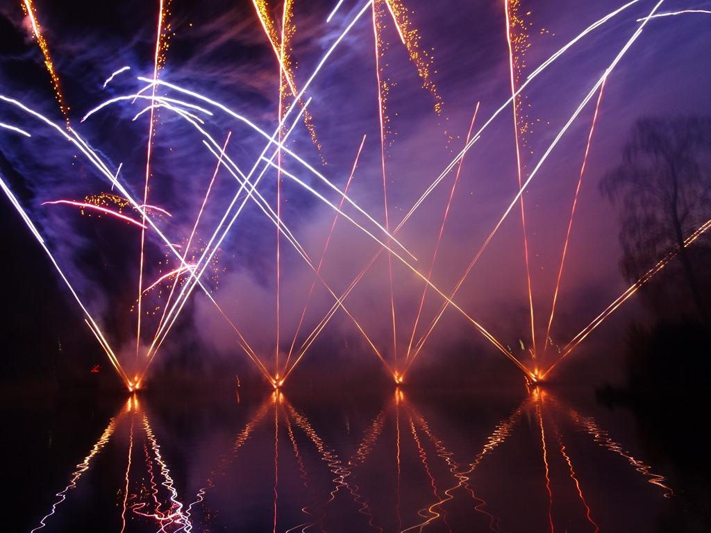 [Fireworks+display+%281%29%5B3%5D]