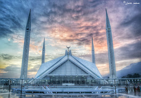 When the sun sets at Shah Faisal Masjid