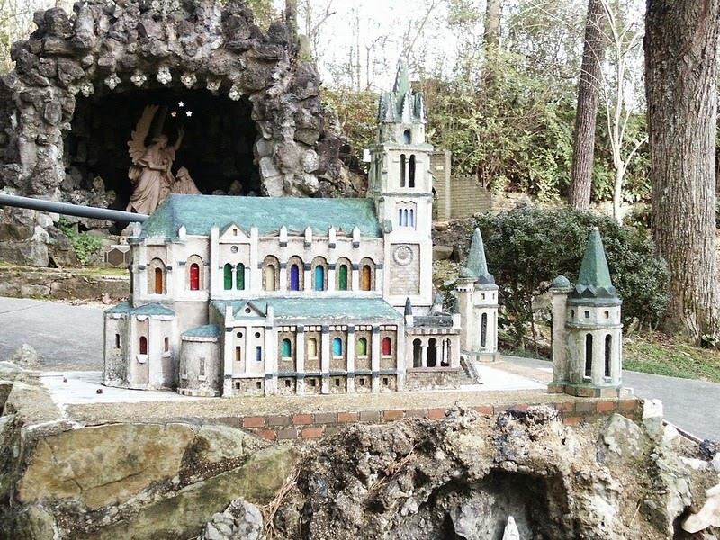 ave-maria-grotto-3