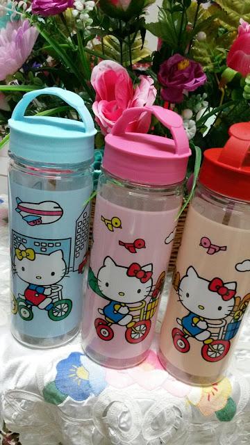 Lengkap Sudah Koleksi Botol Hello Kitty