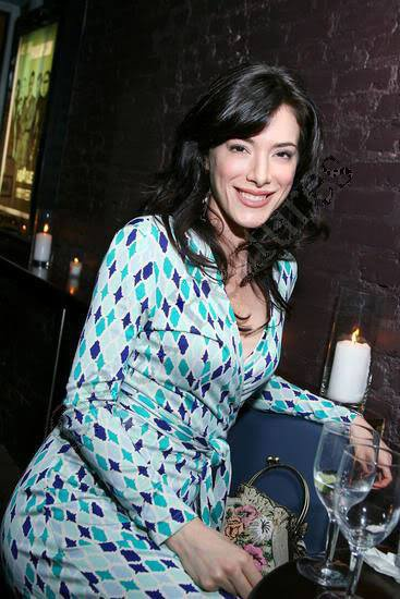 Jaime Murray Profile pictures, Dp Images, Display pics collection for whatsapp, Facebook, Instagram, Pinterest, Hi5.