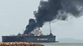 Astagfirullah, Kapal Tanker Milik Pertamina di Karimun Terbakar