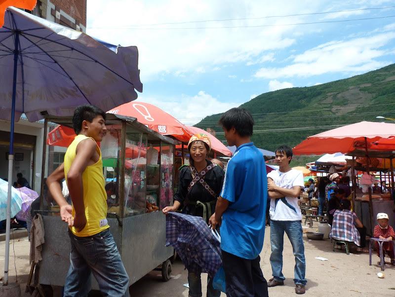 CHINE SICHUAN.XI CHANG ET MINORITE YI, à 1 heure de route de la ville - 1sichuan%2B1054.JPG