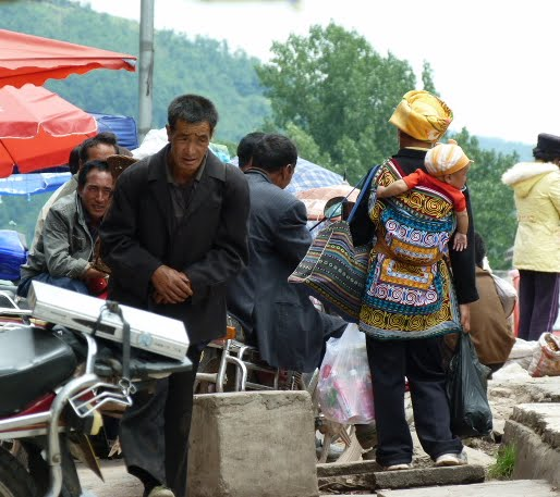 CHINE SICHUAN.XI CHANG ET MINORITE YI, à 1 heure de route de la ville - 1sichuan%2B1064.JPG