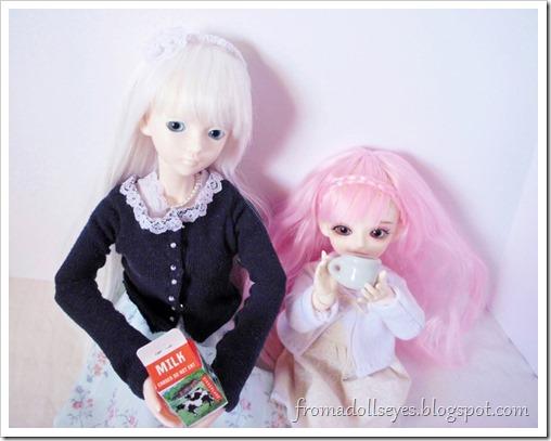Dolls like milk too.