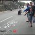 Adu Banteng Maut di Parungkuda, Motor Tabrak Bus