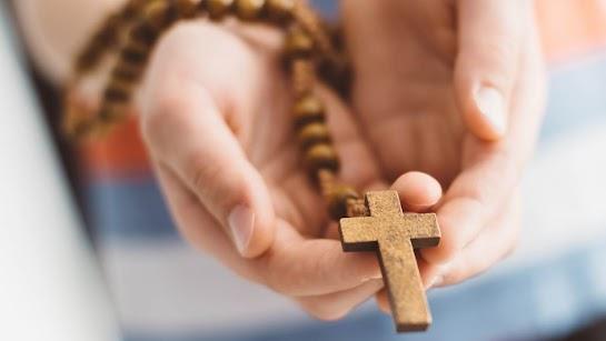 Cầu nguyện bằng kinh Lạy Cha