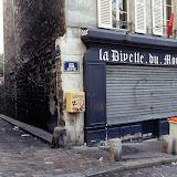 8. Rue Lepic