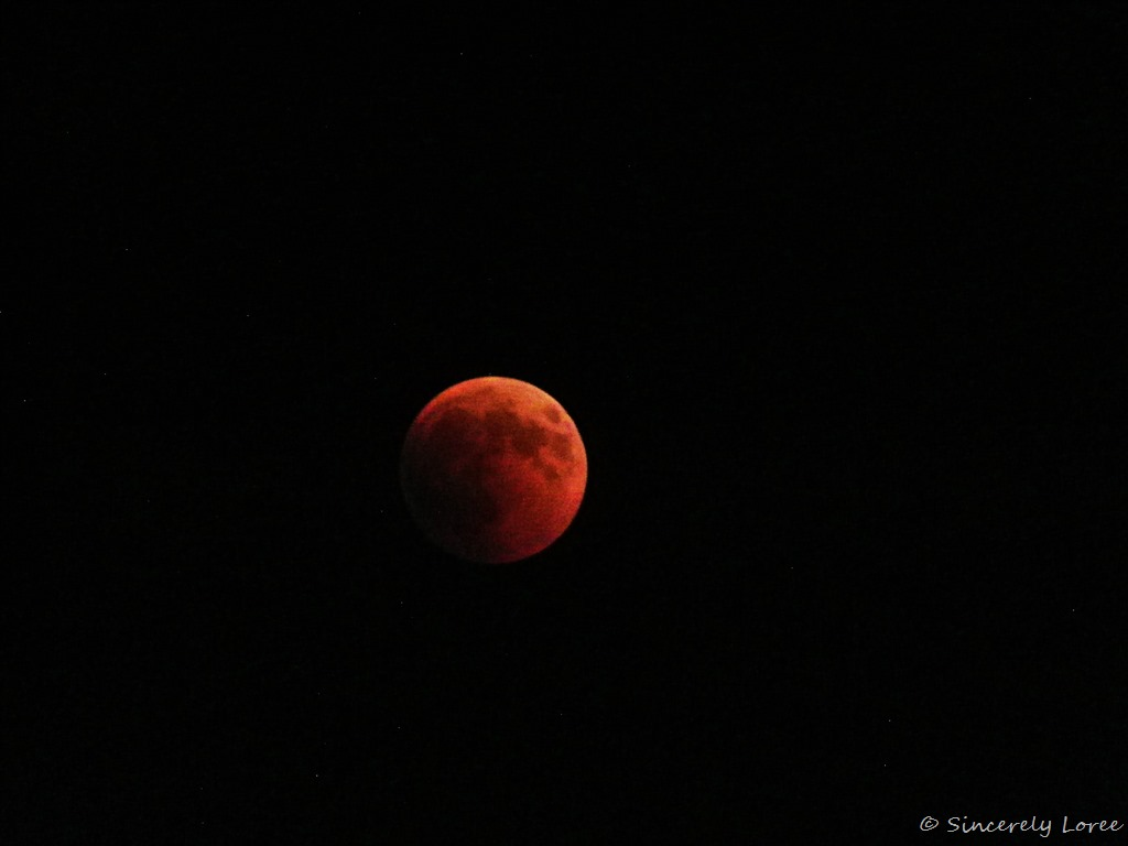 [Eclipse+of+the+blood+moon+072018%5B2%5D]